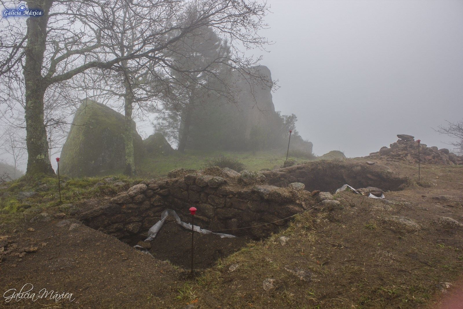 Faro de Budiño, excavaciones