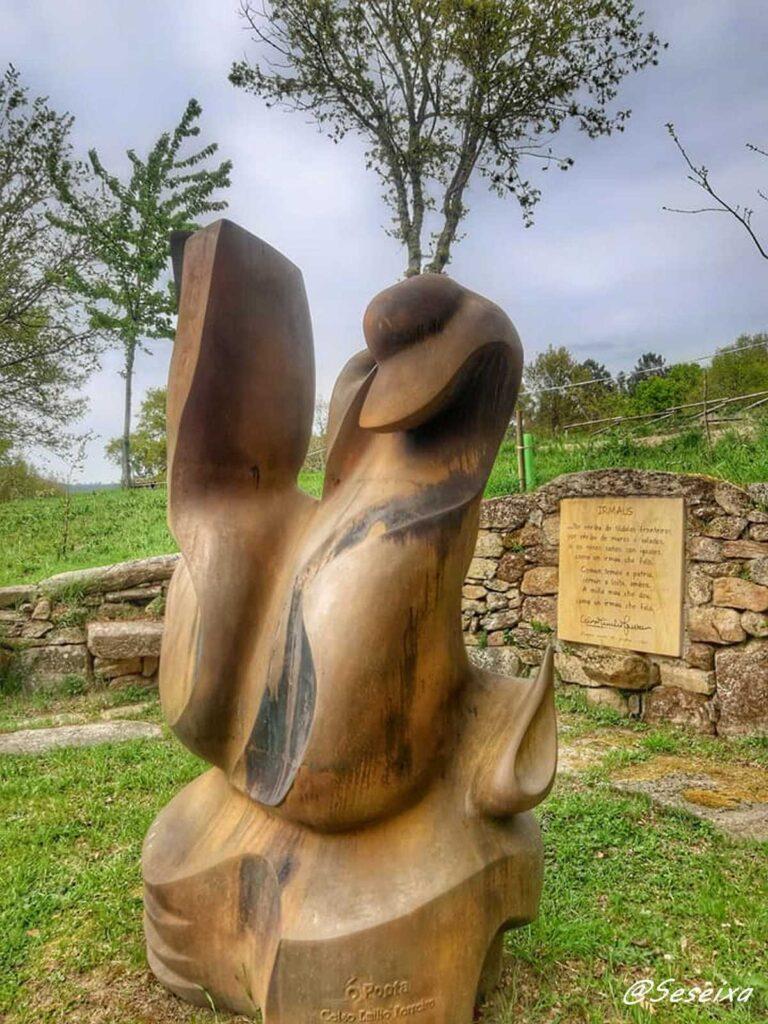 Escultura en homenaxe a Celso Emilio Ferreiro