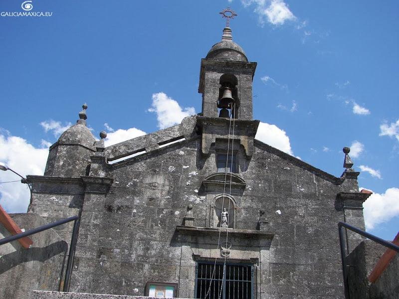 Iglesia de Maceira