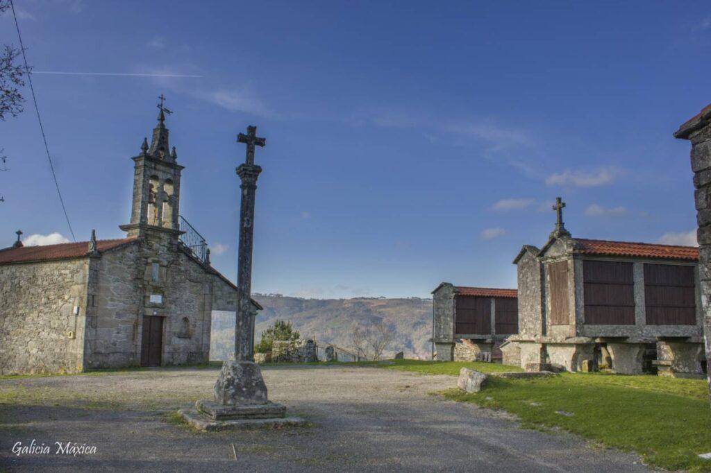 Iglesia de Filgueira y Cruceiro