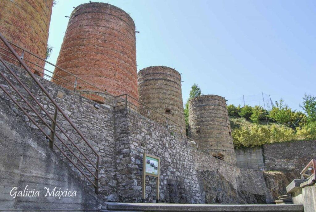 Chimeneas para la fundición del hierro en A Pontenova