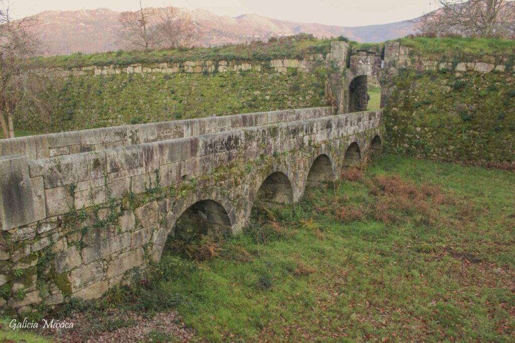 Puente de la Fortaleza de Goián