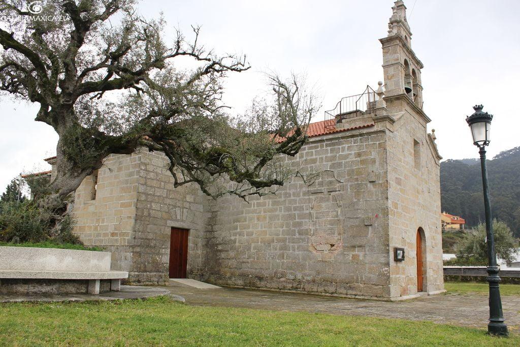 Iglesia de Coruxo