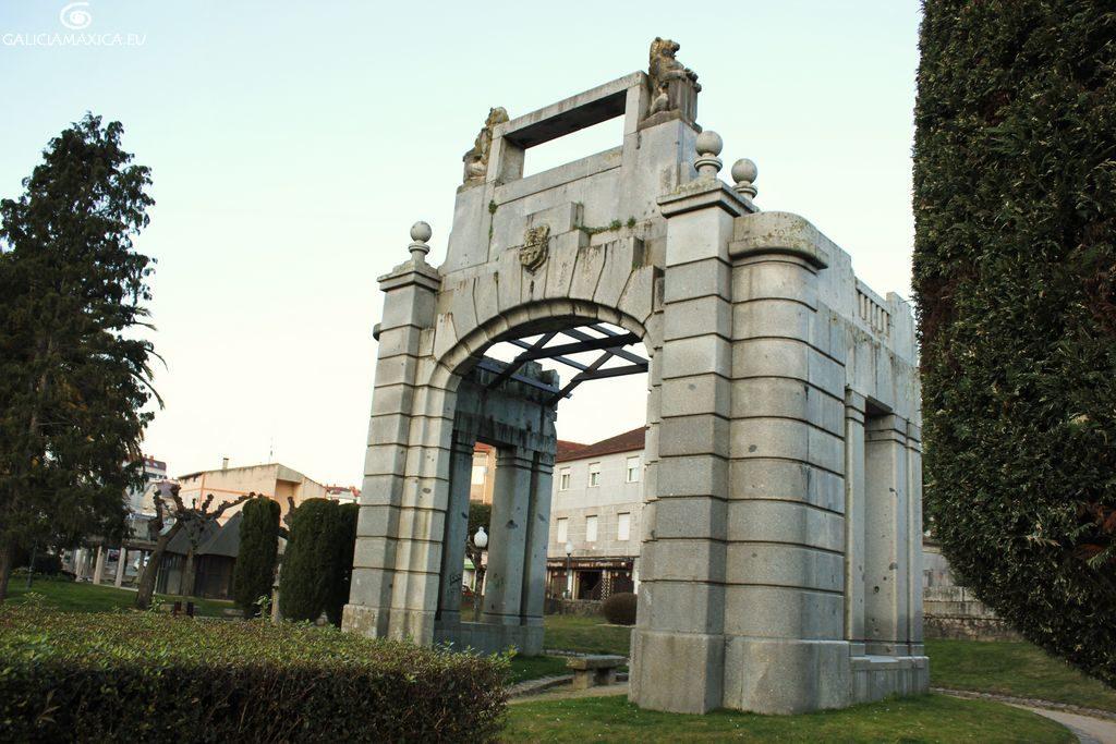 Puerta del Metro Porriño