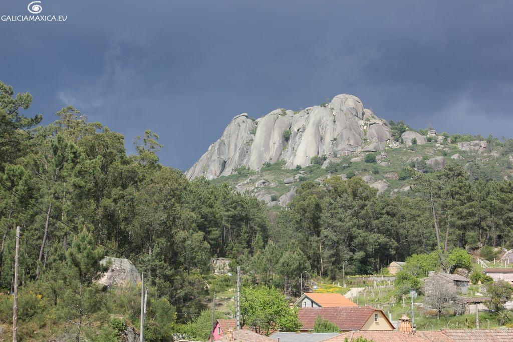Faro de Budiño