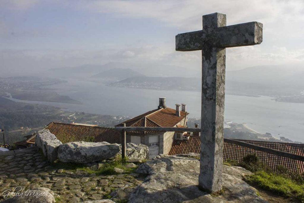 Cruz en Santa Trega