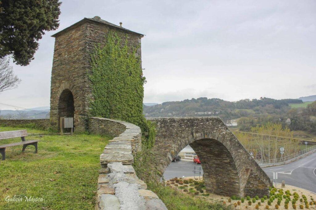 Puente de Portomarín