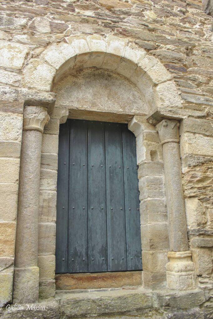 Portada románica de la iglesia de San Facundo