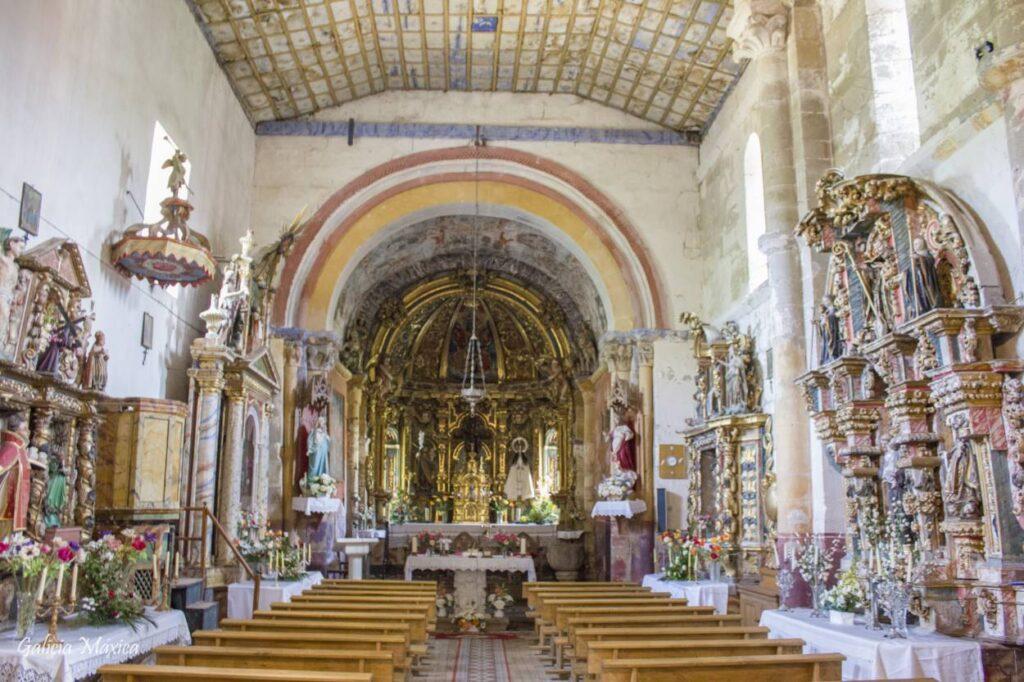 Interior de la iglesia de Sobrado