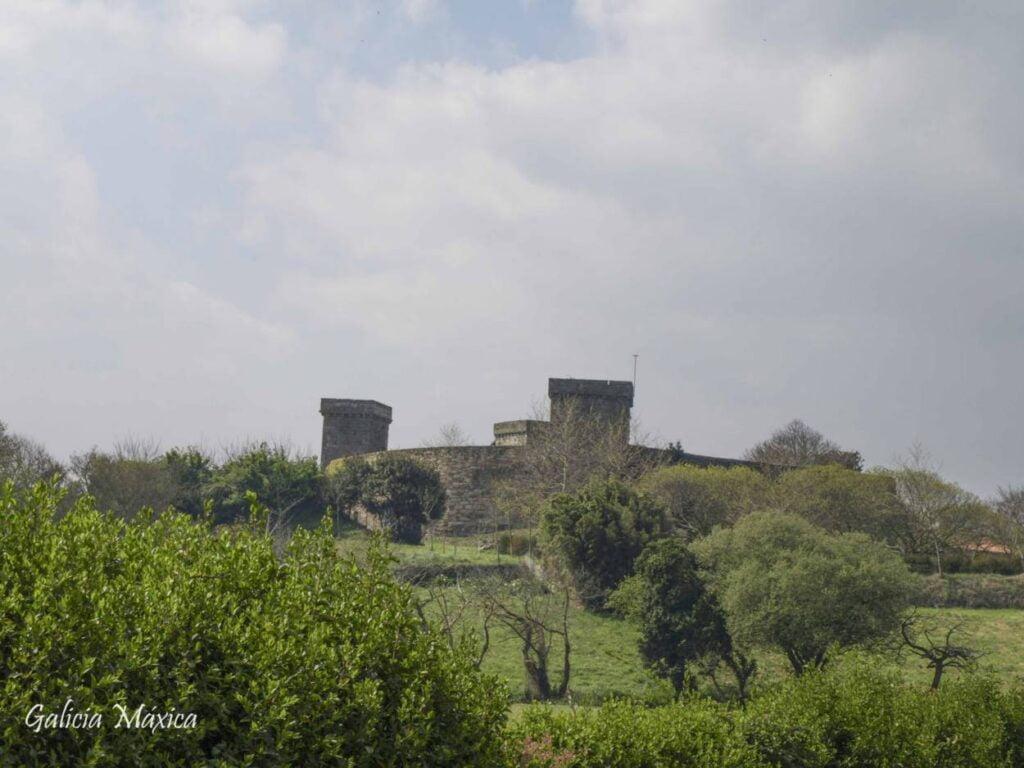 Castillo de Mens