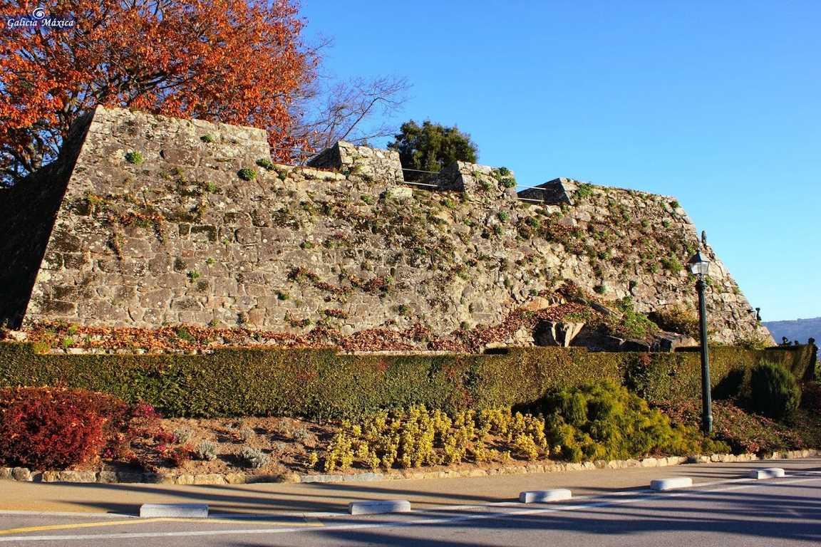 Murallas de la fortaleza de O Castro