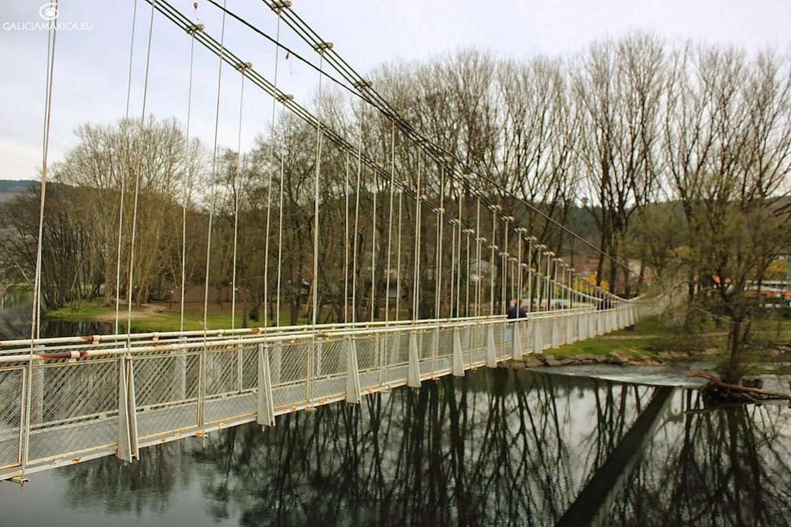 Puente colgante de Leiro