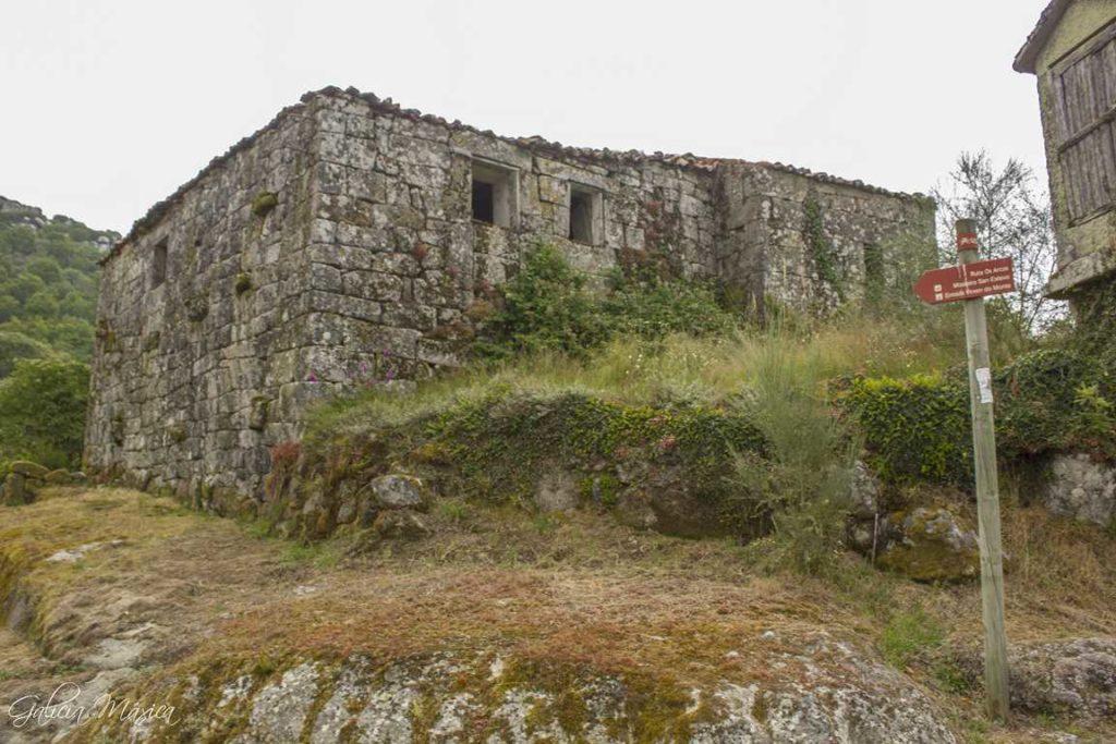 Ruinas de la aldea de Arcos