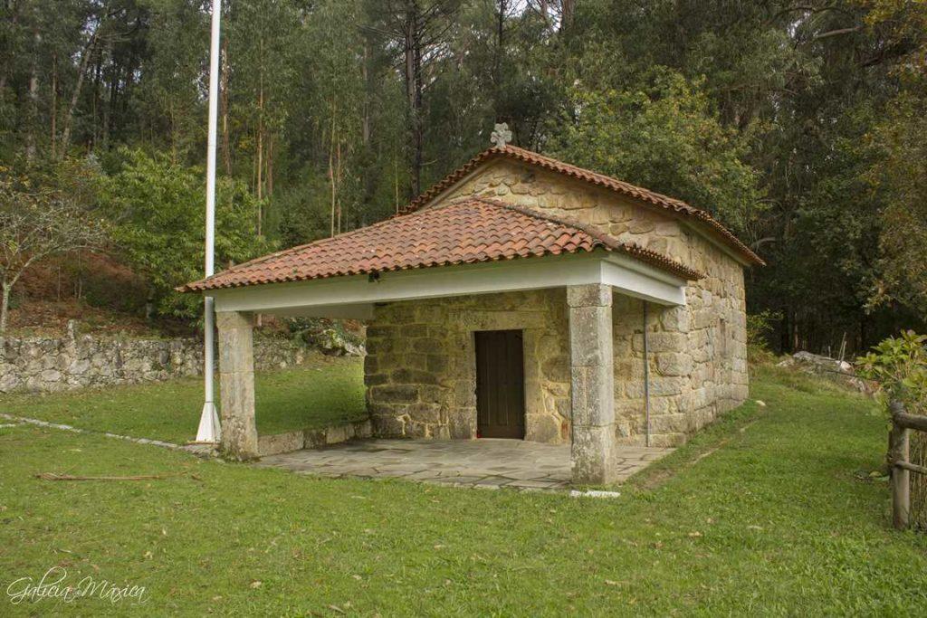 Frontal y la ermita de San Vicente