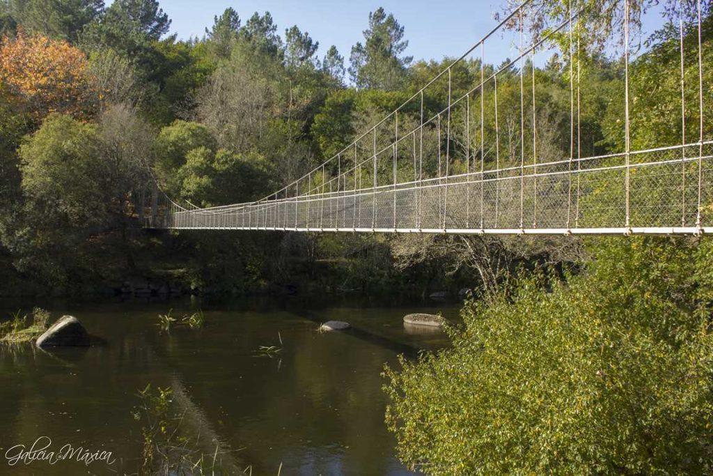 Puente colgante de Parada