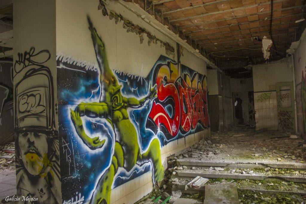 Interior y grafittis