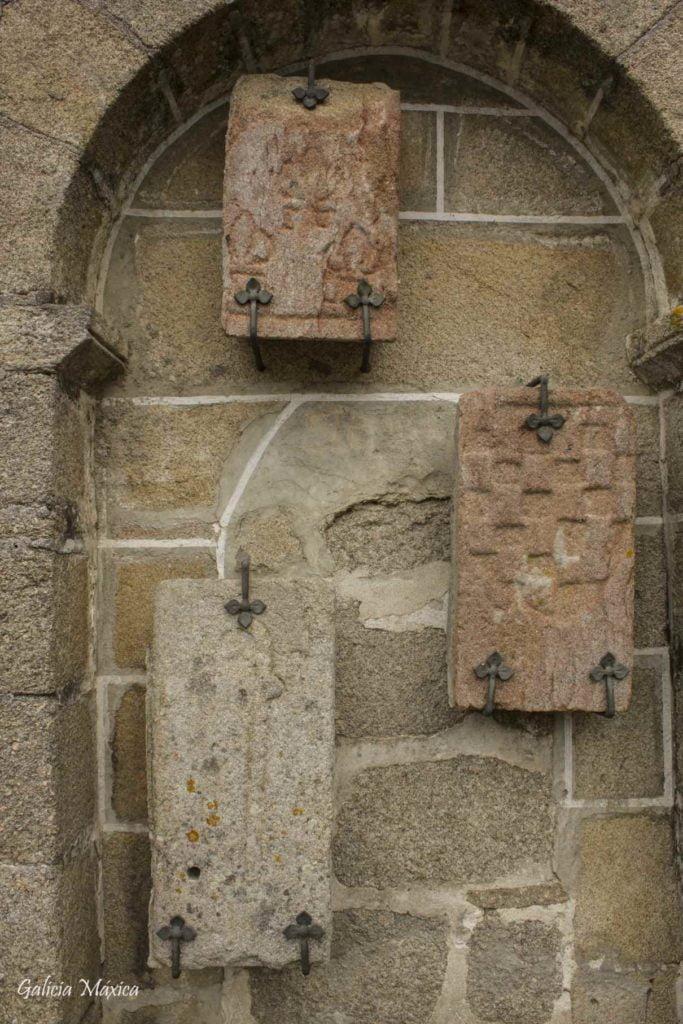 Escudos románicos