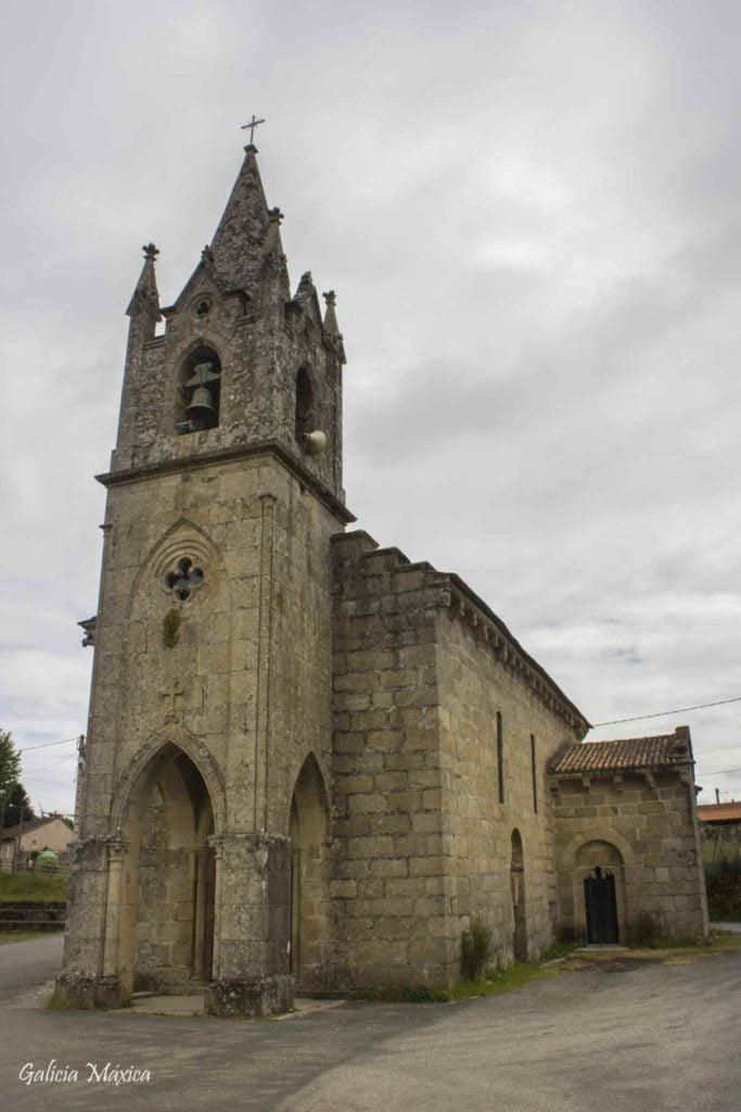 Fachada de la Iglesia de Angoares