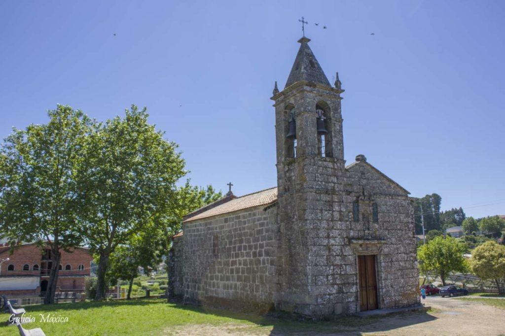Fachada e iglesia de Curro