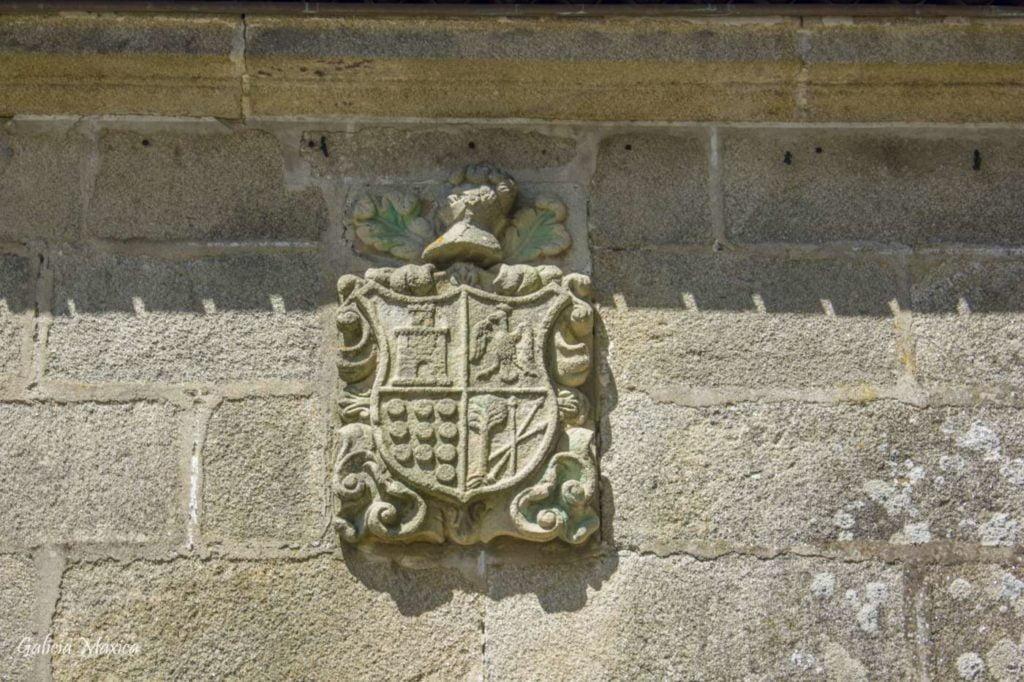Escudo de la Iglesia de Curro