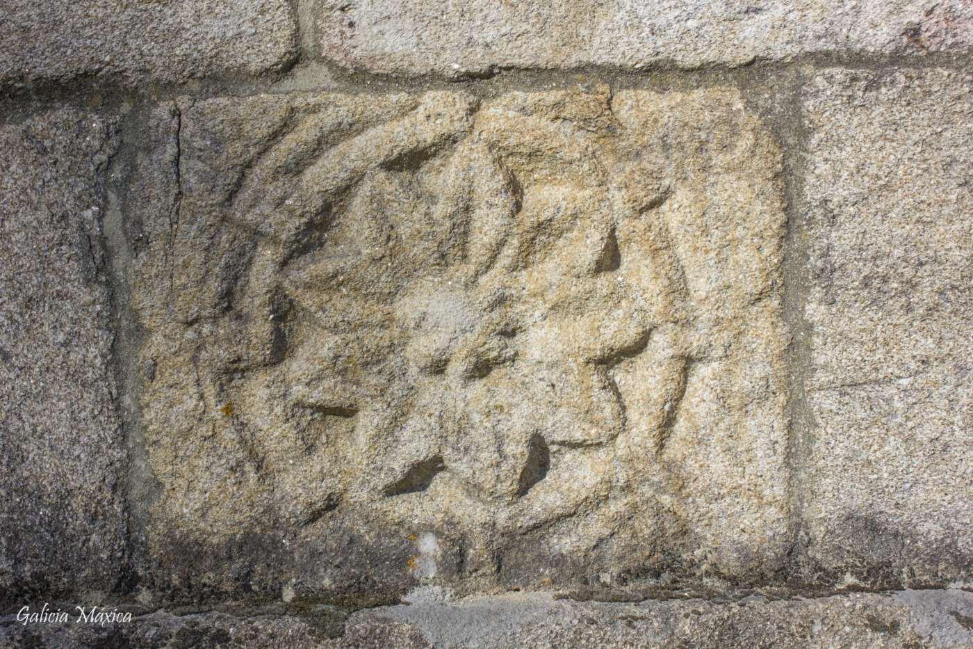 Roseta románica de Cumiar