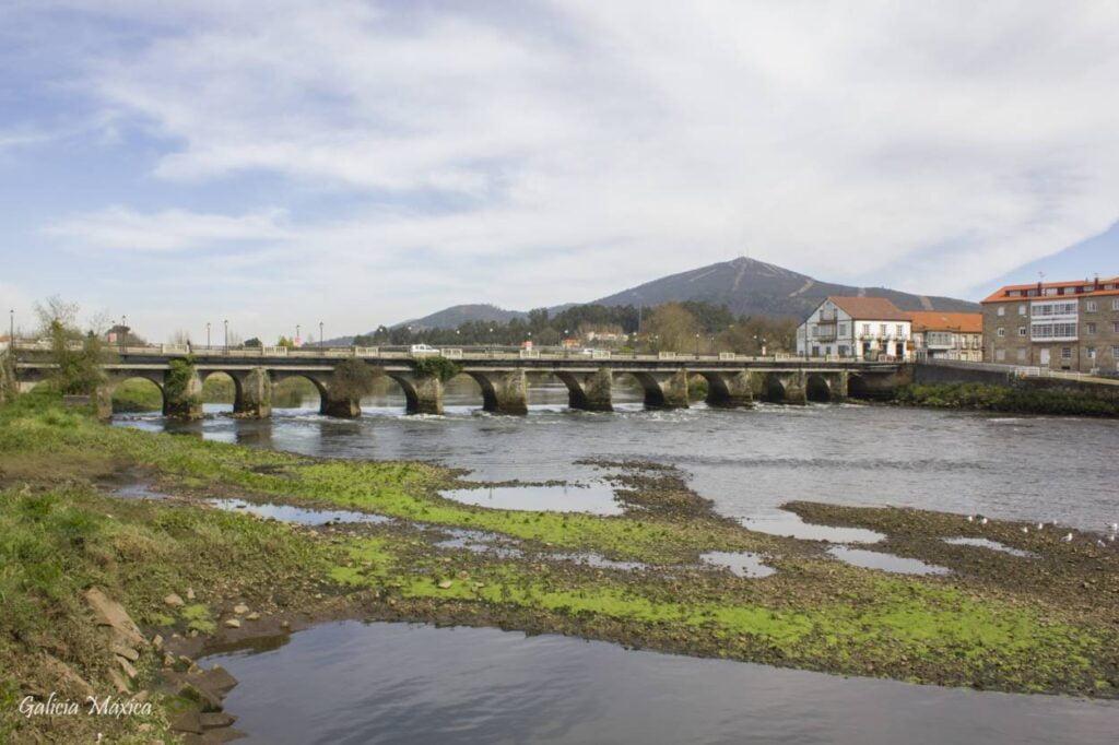 Puente de Pontecesures