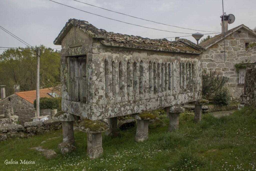 Hórreo de piedra de Melón