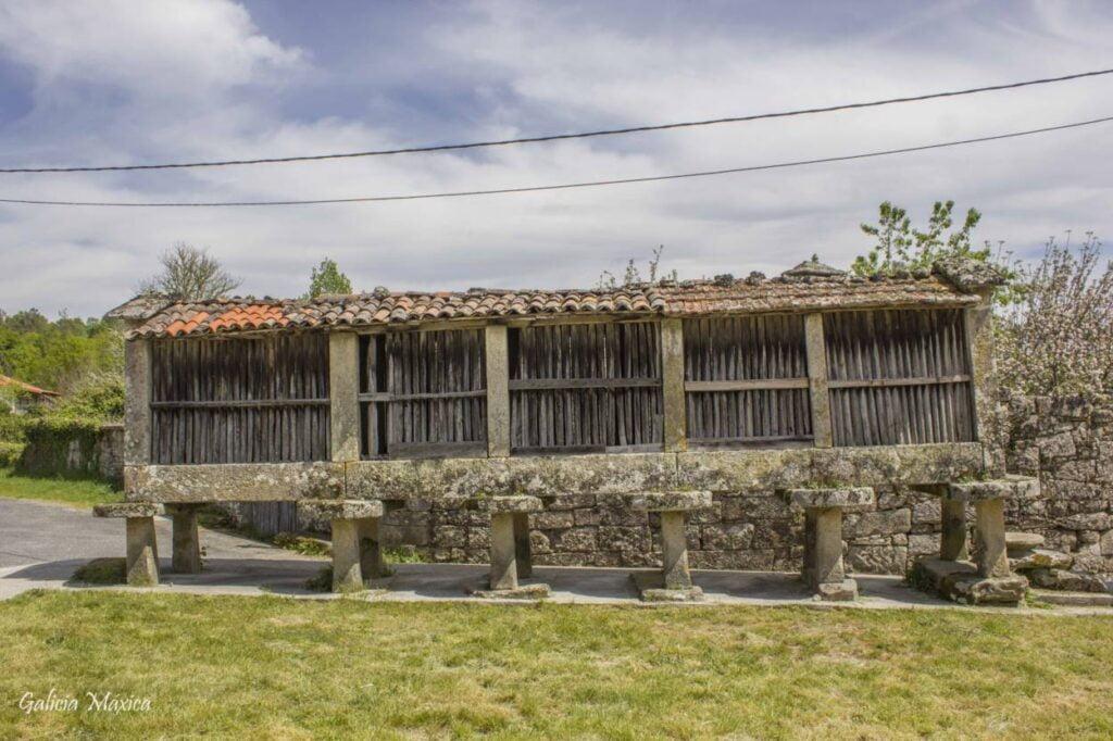 Hórreo de Longos
