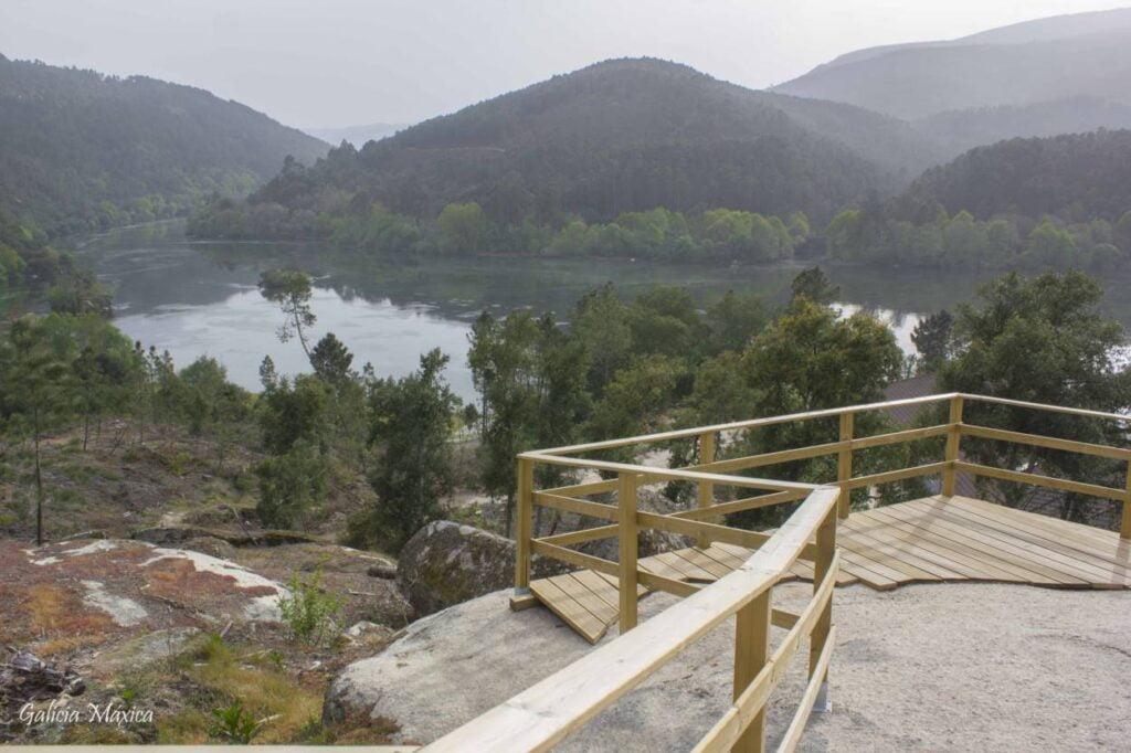 Confluencia ríos Miño y Arnoia