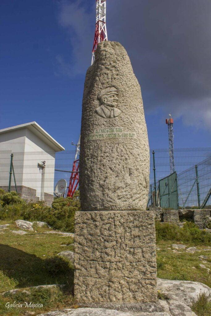 Monumento a Eduardo Pondal en Monte Branco