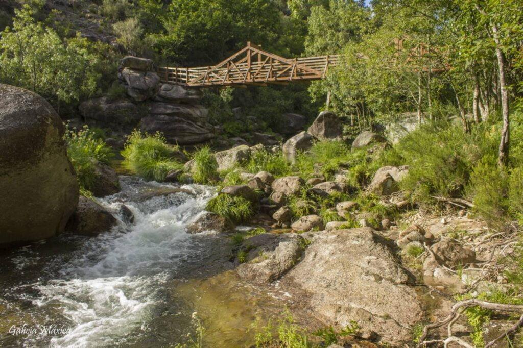Puente de madera de Olelas entre España y Portugal