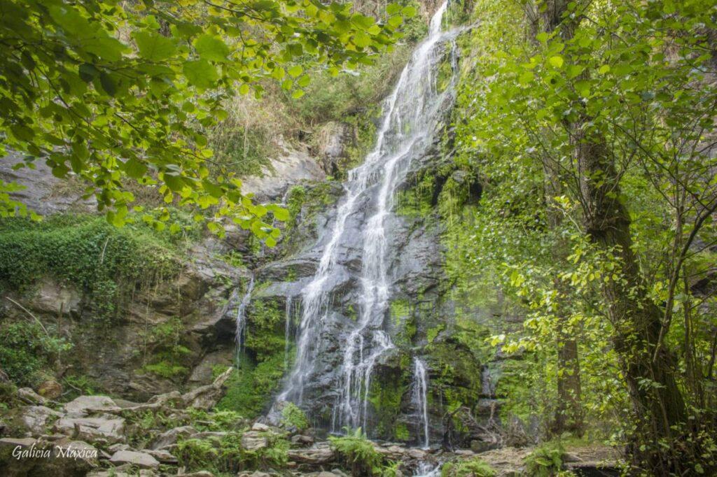 Cascada de Touro